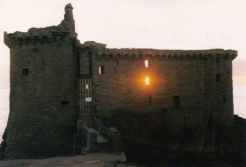 Chateau ile yeu locations de vacances - Location maison ile yeu ...